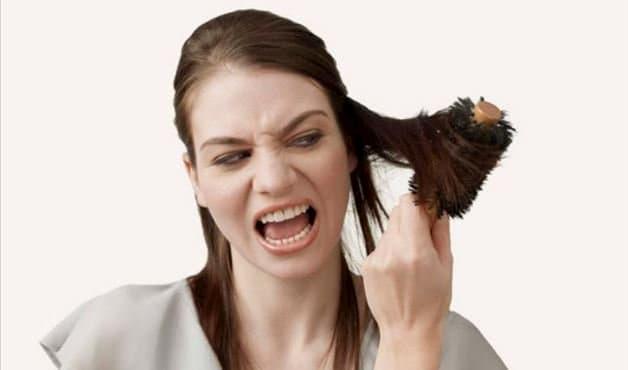 Pentear o cabelo molhado