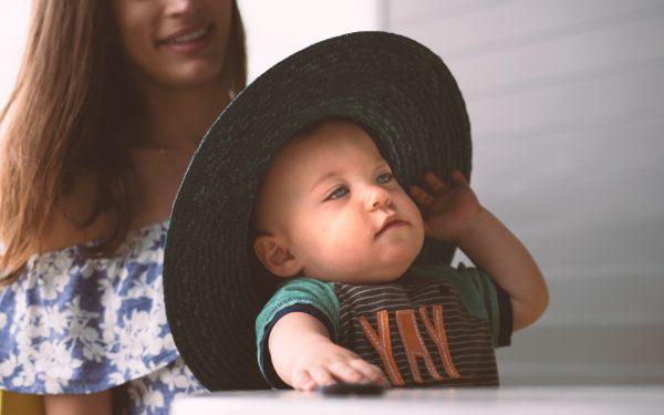 Como escolher o tamanho da roupa do seu bebê